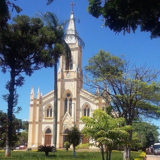 Namorar atrás da igreja não é pecado