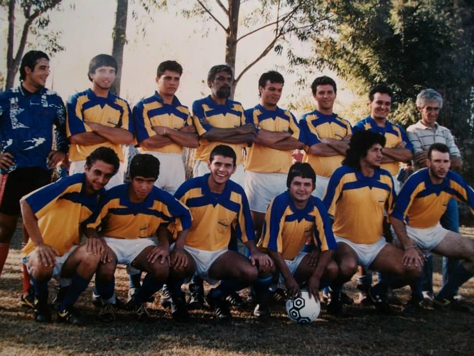 IAC 1993- Abrãão, Zote, Ze Tole, Alfredo, Geraldo Vereda, Alaerson, Barroso e Jair. Agachados:Antonio Carlos, Geraldinho, Fabiano, Beto, Julinho e Julinho Branco.
